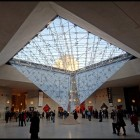 paris-louvre-interieur-pyramide (Small)