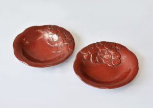 土居恵美方「赤い花」銘々皿